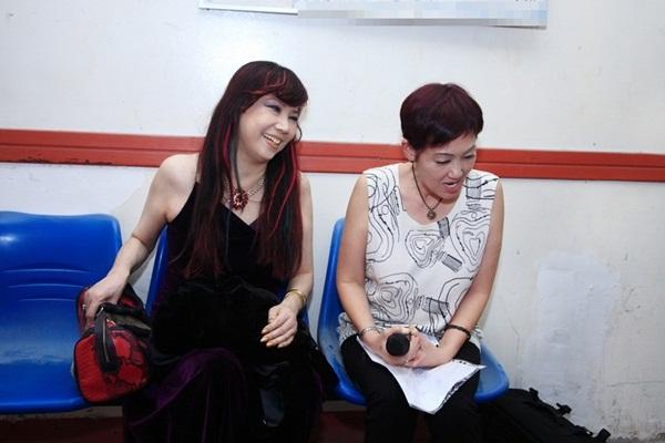 Đêm nhạc còn có sự xuất hiện của danh ca Sơn Tuyền, Đình Văn, Duy Trường, Vân Khánh, Nguyên Vũ. Chương trình diễn ra vào lúc20h ngày 27/6tạinhà hát Hoà Bình và truyền hình trực tiếp trên VTV9.