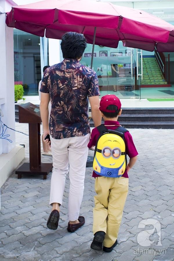 Một ngày đưa con đi học của ông bố đại gia Đỗ Minh 6