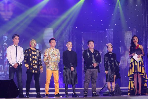 [Caption]Ngoài giải thưởng quán quân thì Top 5 thí sinh lọt vào đêm chung kết đều nhận được giải thưởng tiền mặt trị giá 50 triệu đồng, gồm có: Hoàng Hưng, Vân Anh, Mai Tuấn, Ngọc Hải, Vĩnh Phú.