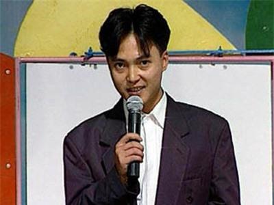 Lưu Minh Vũ là con trai cố nhà thơ Lưu Quang Vũ. Nhắc đến anh, khán giả sẽ nhớ đến chương trình Hãy chọn giá đúng bởi sự hài hước, lôi cuốn khán giả vào từng trò chơi.
