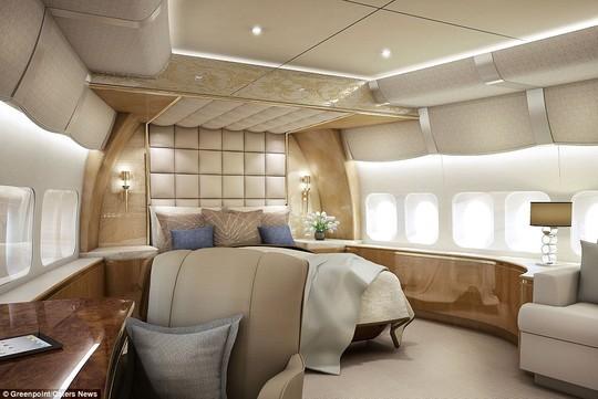 Một góc ấn tượng trên máy bay, vửa có thể sử dụng cho mục đích công việc, vừa có thể giải trí.