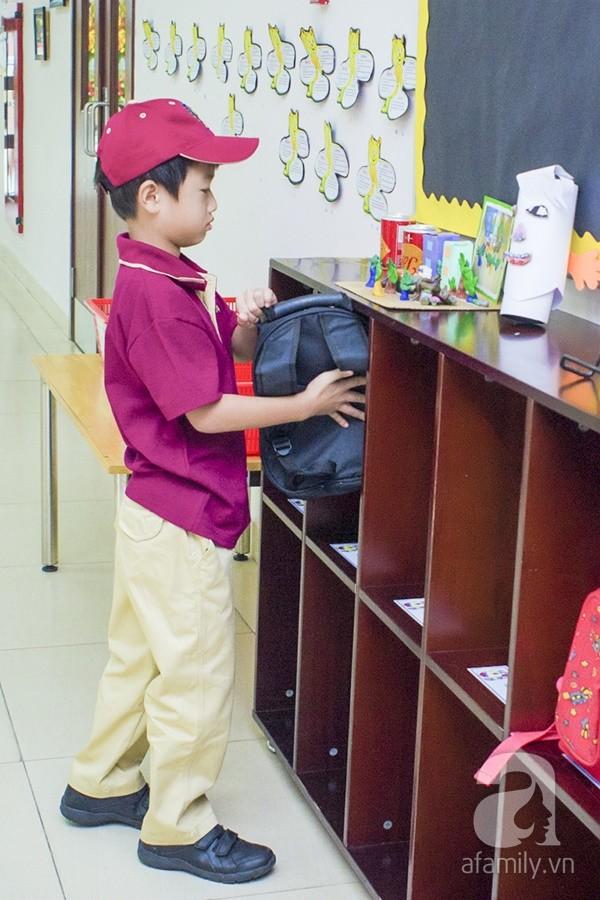 Một ngày đưa con đi học của ông bố đại gia Đỗ Minh