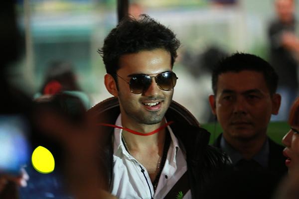 Avinash sinh năm 1997, nổi tiếng ở Ấn Độ từ nhỏ nhờ gương mặt bụ bẫm, dễ thương và thường xuất hiện trong các phim quảng cáo.