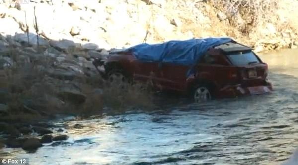 Theo thanh tra thành phố Spanish Fork, cô Lynn đã lái xe đâm đổ hàng rào chắn xi măng và lao thẳng xuống sông. chiếc xe bị lật dưới gầm cầu nên rất khó để có thể nhìn thấy trong bóng đêm hoặc tờ mờ sáng.