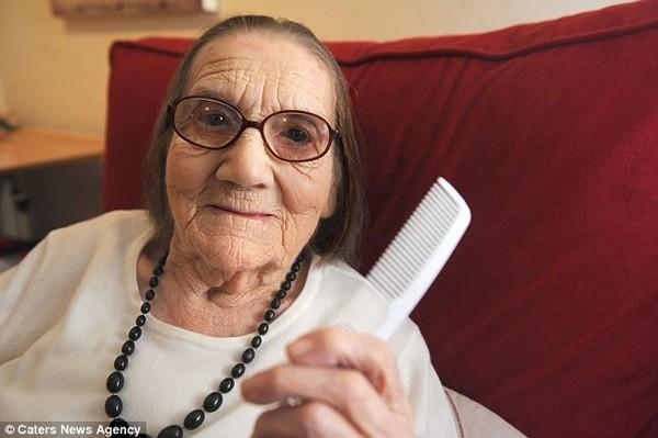 Cụ bà 104 tuổi mà mái tóc vẫn chưa bạc 2