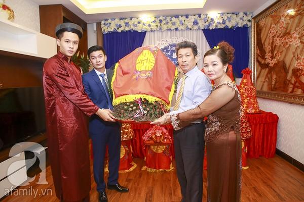 Ngọc Hân, Hồng Quế xinh tươi bê tráp cho Hoa hậu Thu Hà 15