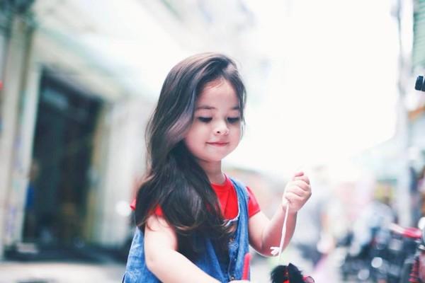 1407387328Ly Trung thu 2014 6f30b Cô bé 3 tuổi lai Việt Nam   Hungary xinh yêu như thiên thần