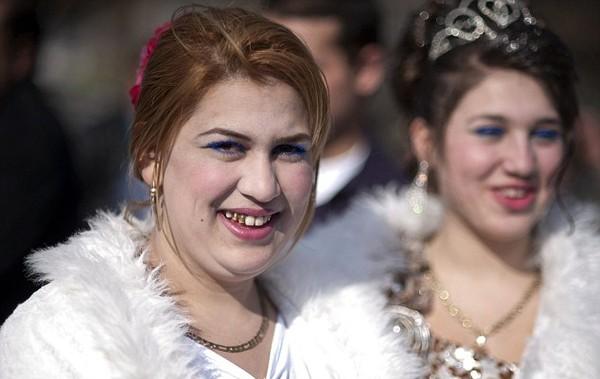 Chợ cô dâu là cơ hội dễ dàng nhất để kiếm vợ của các chàng trai Roma