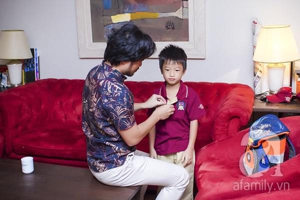 Một ngày đưa con đi học của ông bố đại gia Đỗ Minh 13