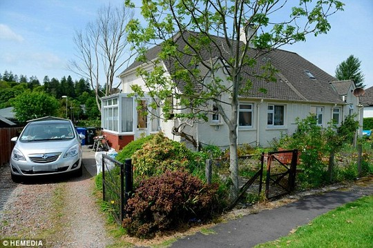 Căn nhà hiện tại của ông bà Geordie và Betty Rhodick. Ảnh: HEMEDIA