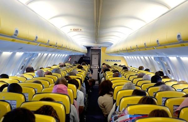 Bí kíp cần phải nắm rõ muốn thoát thân khi máy bay gặp nạn 5