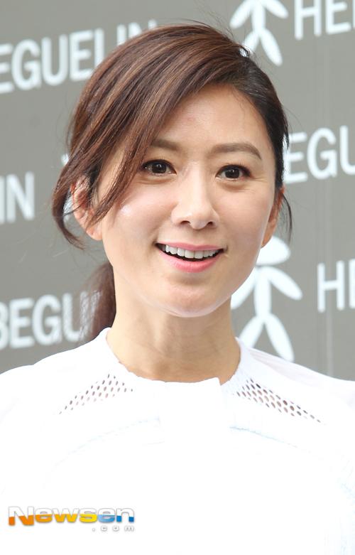 kim-hee-ae-9450-1430220850.jpg