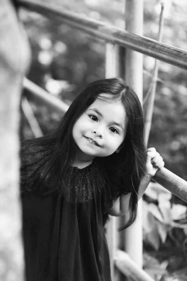 1407392577Ly2 2014 6f30b Cô bé 3 tuổi lai Việt Nam   Hungary xinh yêu như thiên thần