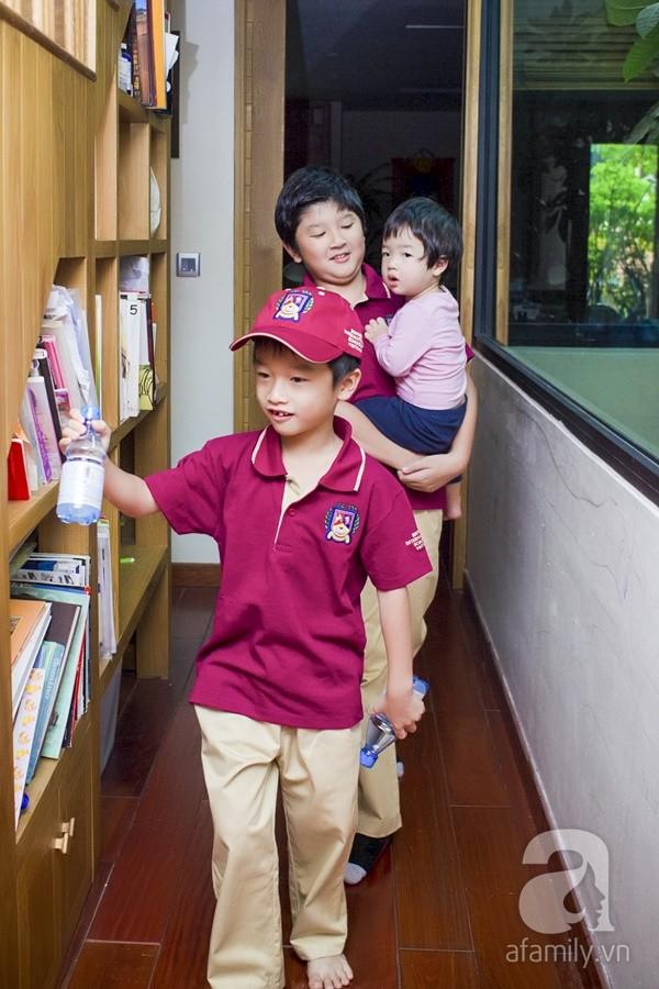 Một ngày đưa con đi học của ông bố đại gia Đỗ Minh 15
