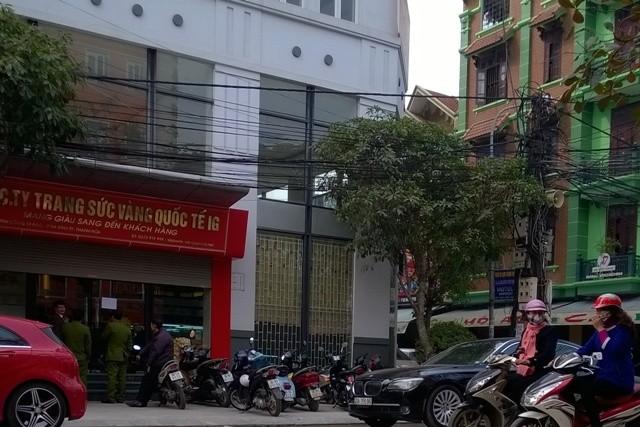 Công ty vàng trang sức quốc tế IG có địa chỉ tại số 98 Phố Đinh Công Tráng, phường Ba Đình, Tp Thanh Hóa đang bị Cục phòng chống tội phạm công nghệ cao (Bộ công an) khám xét.