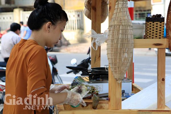 Cô em gái Minh Trang sinh năm 1992, vừa tốt nghiệp khoa Du lịch, trường Đại học Văn Hóa, Hà Nội.