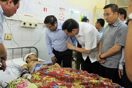 Bí thư tỉnh ủy Quảng Ninh đã đến thăm hỏi, động viên anh Cao Tiến Vỹ tại bệnh viện