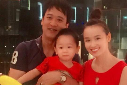 Gia đình hạnh phúc của Lã Thanh Huyền. Ảnh: FBNV