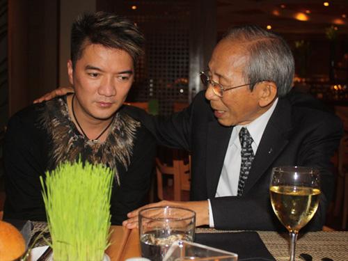 Đàm Vĩnh Hưng có thể cũng được lợi sau scandal với nhạc sĩ Nguyễn Ánh 9.