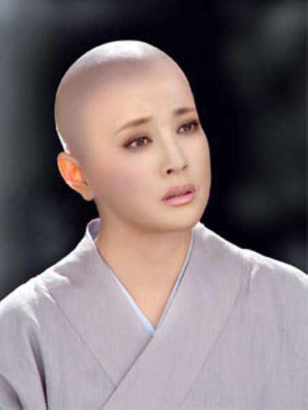 Lưu Hiểu Khánh vẫn đẹp trong tạo hình Võ Tắc Thiên xuống tóc