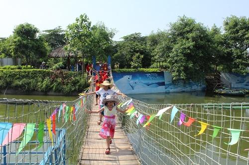 Trải nghiệm hè ở trang trại giáo dục làm học sinh phấn khởi và hào hứng