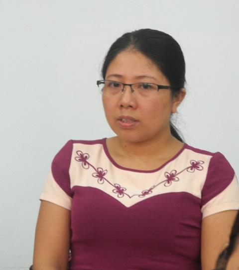 Chị Phan Thị Cương, cán bộ dân số phường Minh Khai, thành phố Hà Giang bày tỏ nguyện vọng được tuyển dụng làm viên chức. Đây cũng là mong muốn của toàn bộ đồng nghiệp của chị tại Hà Giang. Hiện mỗi tháng, các chị được nhận 890.000 đồng thù lao từ ngân sách tỉnh, thành phố.