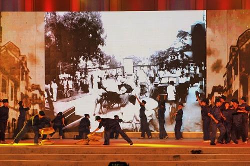 Những hình ảnh lịch sử của thành phố Cảng đã được tái hiện lại làm người dân xúc động