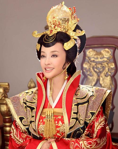 Tạo hình Võ Tắc Thiên lần thứ 3 của Lưu Hiểu Khánh