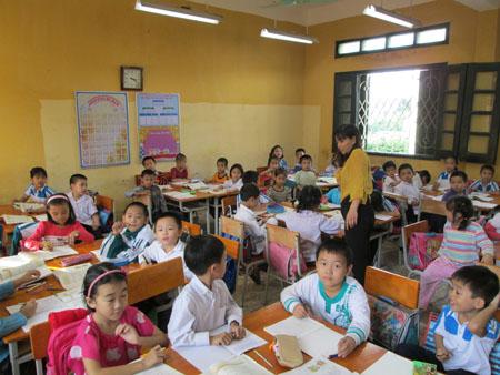 Hà Nội: Tăng mạnh sỹ số học sinh, liệu có quá tải các trường công lập? - Ảnh 1.