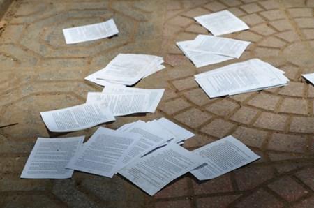 Thí sinh mang tài liệu vào phòng thi dù sử dụng hay không cũng bị đình chỉ.
