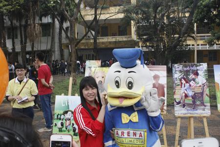 Học sinh tham dự Ngày hội rất thích thú với các hoạt động của các trường.