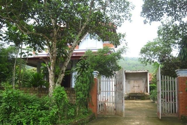 Ngôi nhà ông Đ nơi xảy ra nghi án dâm ô cháu bé 10 tuổi