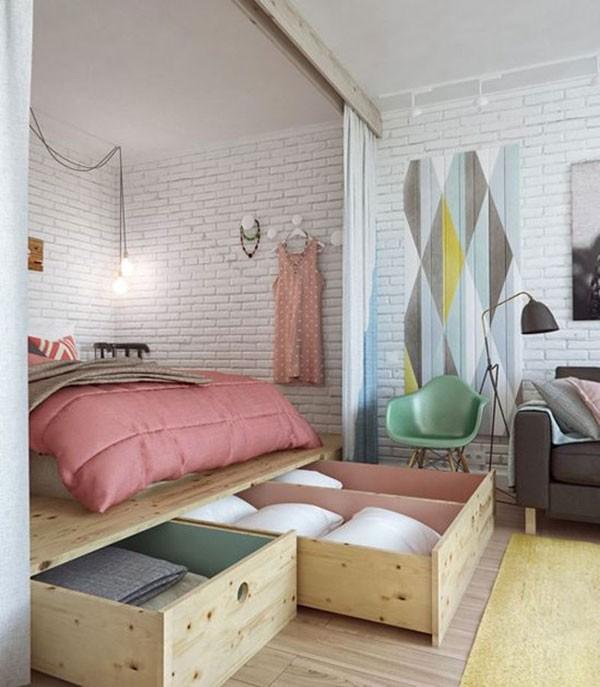 ...giường ngủ được tích hợp với hệ ngăn kéo lớn, tiết kiệm diện tích rất tốt cho căn hộ.