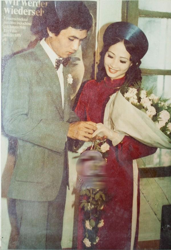 Vợ chồng NSND Như Quỳnh - Hữu Bảo trong ngày cưới.