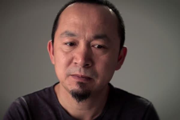 Vẻ âu lo của nhạc sĩ Quốc Trung trong clip