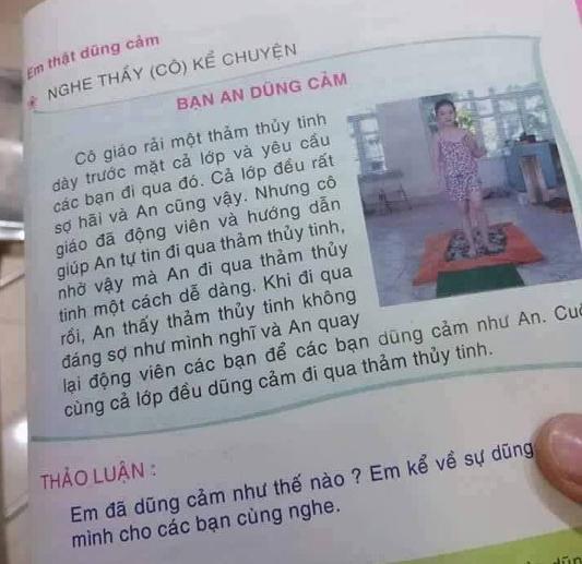 Cuốn sách cho học sinh lớp 1 có dạy trẻ đi trên thủy tinh của NXB Giáo dục Việt Nam.