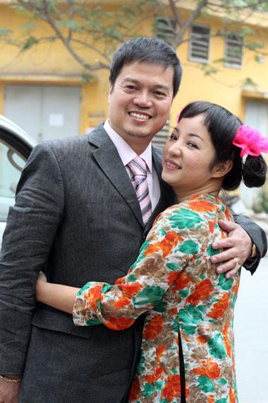 Chân dung ông chồng chưa đăng ký kết hôn của danh hài Thúy Nga qua bộ ảnh cưới hài hước mà chị đã từng thực hiện.