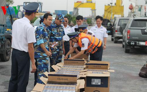 Hơn 82.000 bao thuốc lá nhãn hiệu 555 lậu bị lực lượng làm nhiệm vụ bắt giữ ngày 9/5