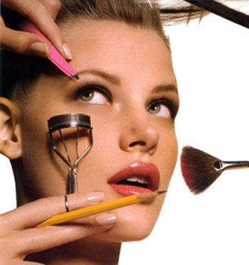 Trang điểm mắt mùa hè, bạn cũng cần lưu ý đến những bước trang điểm cho tổng thể khuôn mặt khác