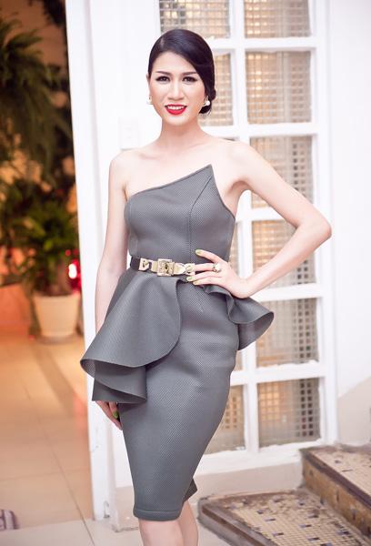 Người mẫu Trang Trần từng tố cáo chuyện người mẫu bán dâm với sự dẫn dắt của các ông bầu núp bóng dưới các công ty đào tạo người mẫu