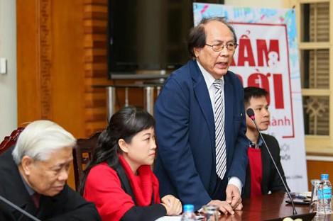 Ban tổ chức trả lời báo chí trong buổi họp báo chiều 14/1. Ảnh: HTL