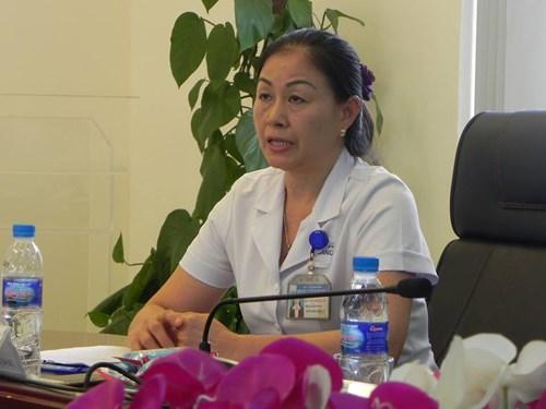 Bác sĩ Trần Thị Minh Lý báo cáo về thành tích mà BV đạt được.