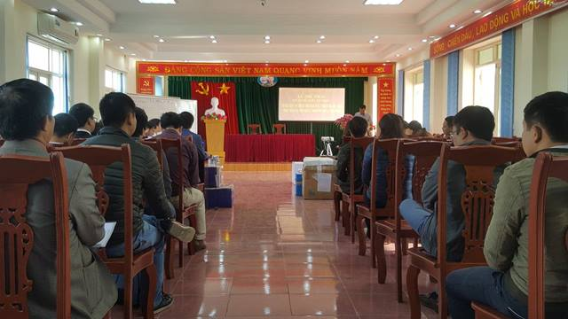 Ngày 14/12, tại BQL dự án di dân tái định cư thuỷ điện Sơn La đã diễn ra buổi mở thầu các gói số 06,07,08 và 09 với sự tham gia của nhiều doanh nghiệp. Ảnh: N.T