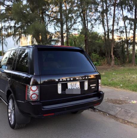 Chiếc xe Range Rover của vợ chồng Phan Như Thảo thường hay đi cũng có giá ngấp nghé hơn 6 tỷ đồng.