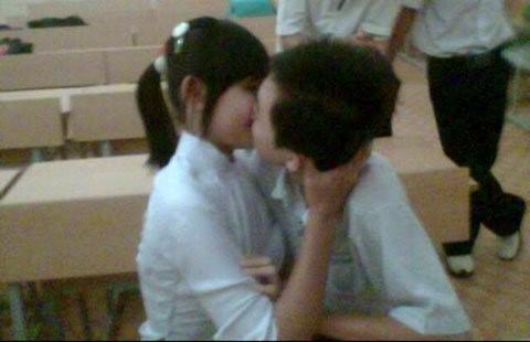 Học sinh ngày càng thể hiện tình yêu lộ liễu, bạo. Ảnh minh họa: T.L