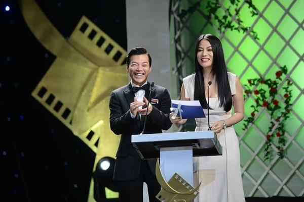 Trần Bảo Sơn khiêm tốn chiều cao hơn người vợ cũ Trương Ngọc Ánh.