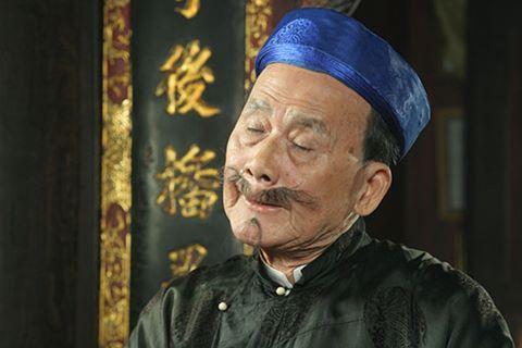 Nghệ sĩ Phạm Bằng còn thường được giao các vai có trọng trách lớn trong xã hội thời xưa. Cách diễn của ông tự nhiên, tạo nên tiếng cười sâu cay và khó quên với người xem.