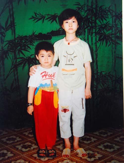 Ngay từ ngày nhỏ, Lê Thiện Hiếu đã thể hiện tính cách và phong cách ăn mặc con trai