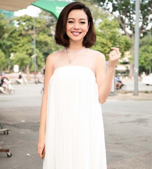 Hình ảnh Jennifer Phạm xinh đẹp khi mang bầu lần 3.