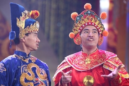 Ca sĩ Minh Quân gây ấn tượng đặc biệt khi vào vai Thiên Lôi trong một số chương trình Táo quân.